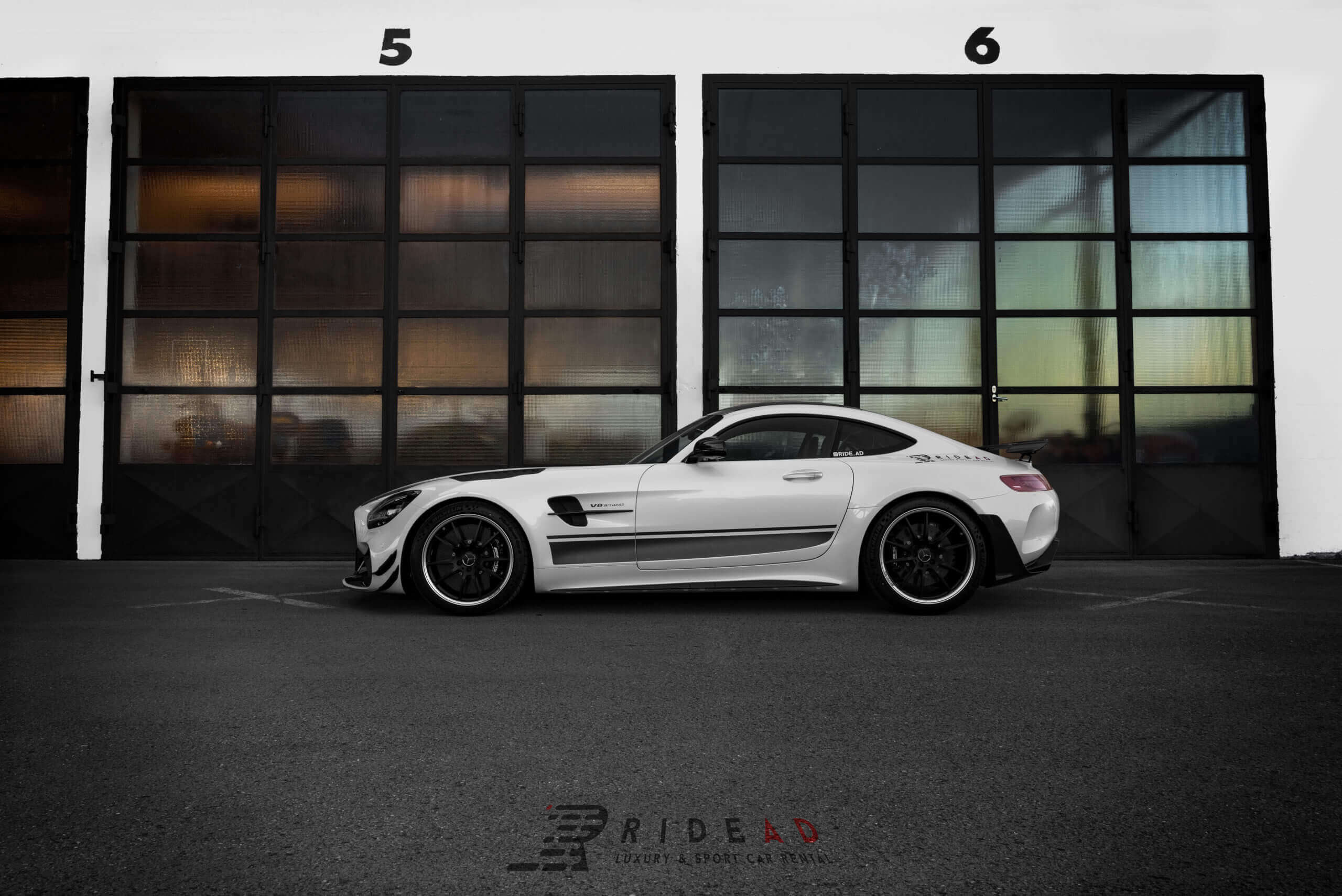 Ride Ad Luxury and Sports Car Rental - Mercedes-Benz AMG GTR PRO Kurzzeitmiete 2