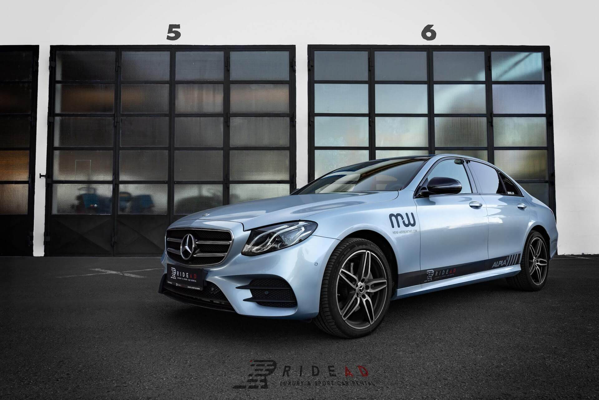 Ride Ad Luxury and Sports Car Rental - Mercedes-Benz E220d Kurzzeitmiete 1